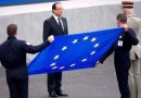 75751-hollande-et-le-drapeau-europeen-1.jpg