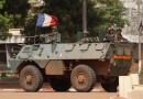 86327-french-soldiers-patrol-in-their-armoured-personnel-carrier-apc-during-fighting-in-bangui.jpg